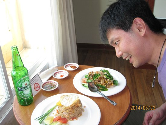 Hip Bangkok: Yummy of dishes via Room service