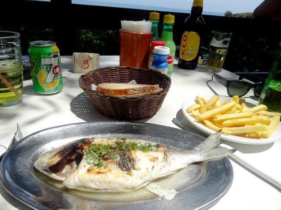 Melanda Beach Restaurant : sea bream and chips