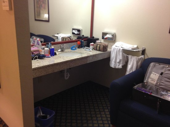 Ramada Marina : Sink In Bedroom Area
