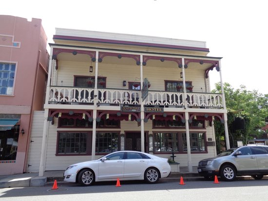 1859 Historic National Hotel: Hotel from street