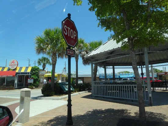 Siesta Key Village: Main Street