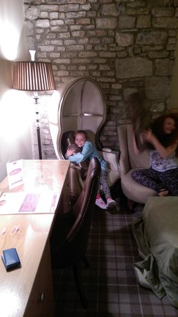 Ramside Hall Hotel, Golf & Spa: messing around in room