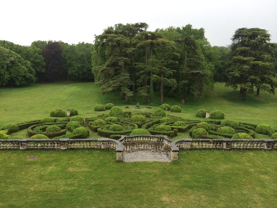 Chateau de la Bourdaisiere: Chateau Gardens in May