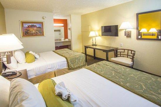 Howard Johnson on East Tropicana, Las Vegas Near the Strip: Remodeled Double Room