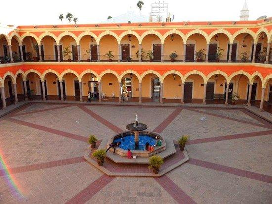 El Fuerte, Meksiko: El Palacio Municipal fue construido hacia finales del siglo XIX y principios del XX.