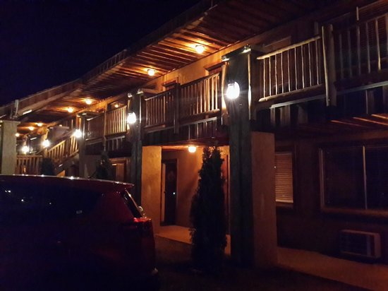 Grand Canyon Inn & Motel: Lucen bien y engañan