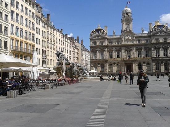 Place des Terreaux: nice plaza