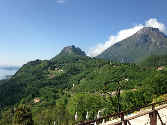 Lefay Resort & Spa Lago di Garda: Blick auf die Berglandschaft