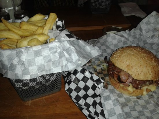 Bun's: Bacon burger