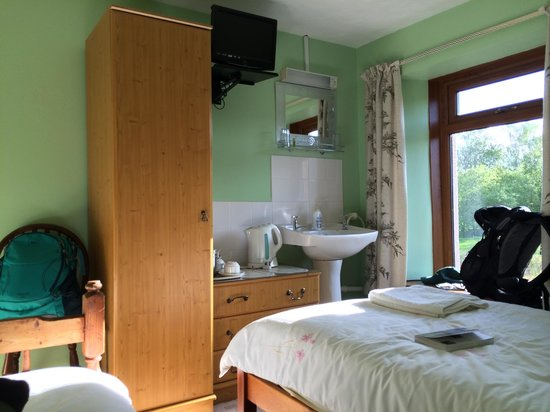 The Lancaster Arms Guest House: comfortable, quiet room
