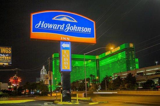 Howard Johnson on East Tropicana, Las Vegas Near the Strip: HoJo
