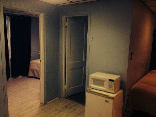 Econo Lodge - Seaside Heights / Toms River: 2 bedroom suite