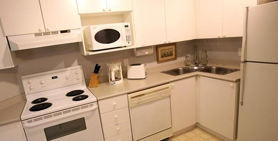 Times Square Suites Hotel: Full kitchen in every suite