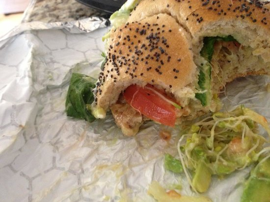 The Yellow Deli: Veggi sandwich