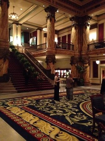 The Jefferson Hotel: beautiful lobby