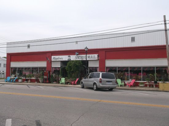 Cave City, KY: Magalines Antique Mall