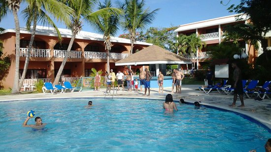 BelleVue Dominican Bay: Baile de Bachata