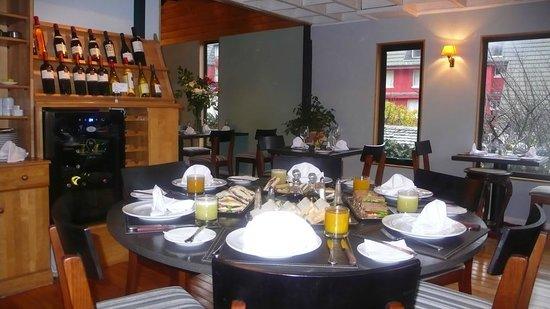 El Reloj Hotel Restoran