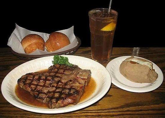 Cattlemen's Steakhouse: Steak dinner