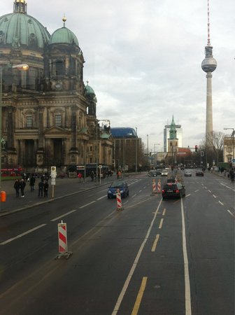 Museum Island: Tour by bus