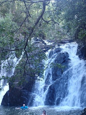 Barefoot Tours : Nice waterfall