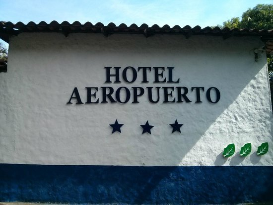 Hotel Aeropuerto Costa Rica: Entry Area