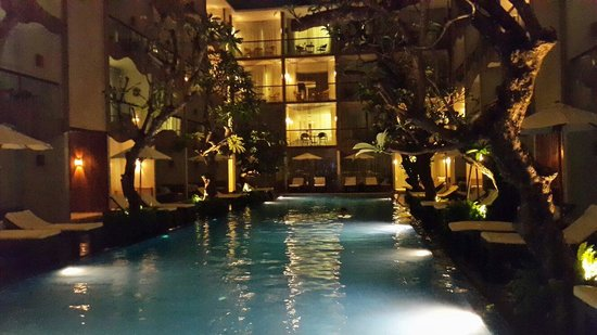 The Bene Hotel : Pool Area in the evening (May 2014)