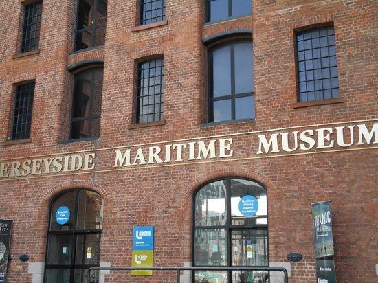 Merseyside Maritime Museum : Entrance to the Museum