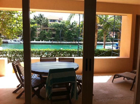 Chac Hal Al Condominiums: Large balcony of H-102, next to marina. Has shower, chaises, table