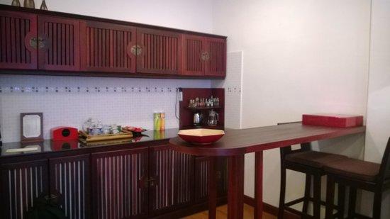 Nam Bo Boutique Hotel: kitchen/bar