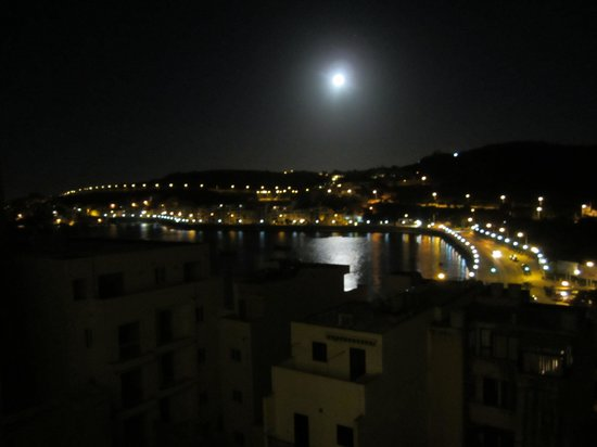 Porto Azzurro: View of the harbor from the 4th floor at night
