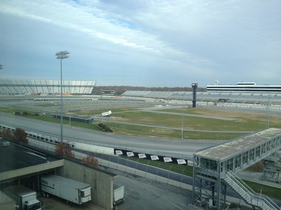 ‪‪Dover Downs Hotel & Casino‬: View of the track from our room‬