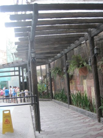La Carmela de Boracay: going to lobby
