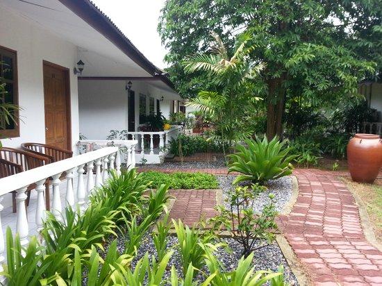 Tropical Resort: Room