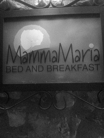 Mamma Maria: OUTSIDE