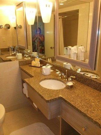 Royal Sonesta New Orleans : Bathroom