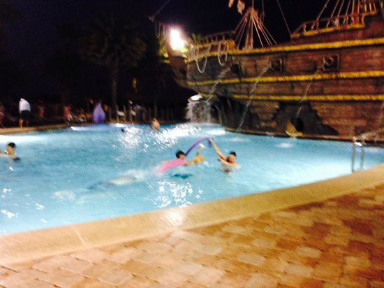 Lake Buena Vista Resort Village & Spa: Pirate Ship Pool