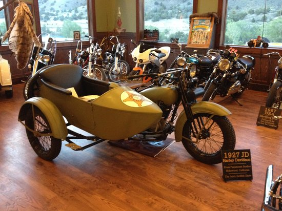 Buffalo Smokehouse Barbecue: 1927 Harley Davidson used in Mayberry RFD TV Show