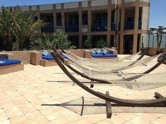 Le Medina Essaouira Hotel Thalassa Sea & Spa - MGallery by Sofitel-: solarium, coin traquil pour profiter du soleil