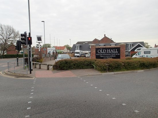 The Old Hall Hotel: View from Norwich Road