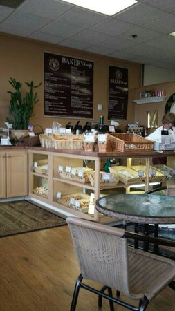 Festive Breads Bakery & Cafe: Excellent bakery