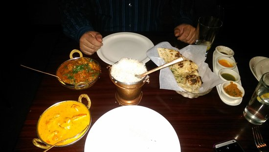 Taj Mahal Restaurant & Bar: Amazing Masala and Vindaloo