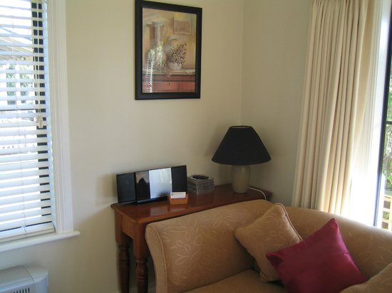 Pinot Villas: Lounge, One Bedroom Vilal