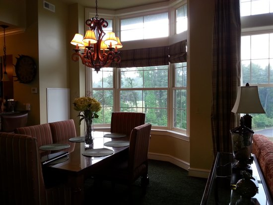 RiverStone Resort & Spa : side window /dining area