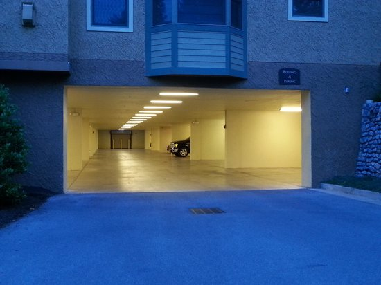 RiverStone Resort & Spa: The Garage area
