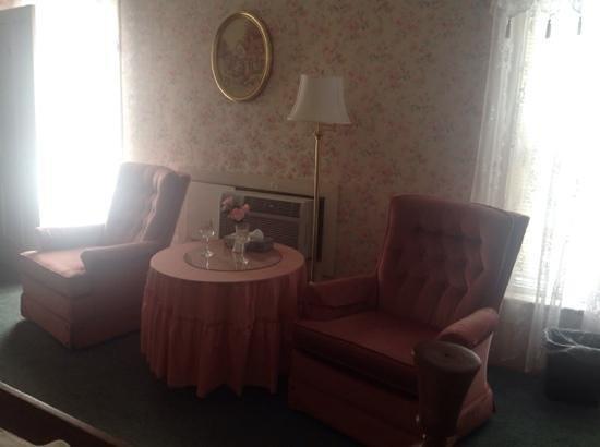 The Riverside Inn: Take it easy.