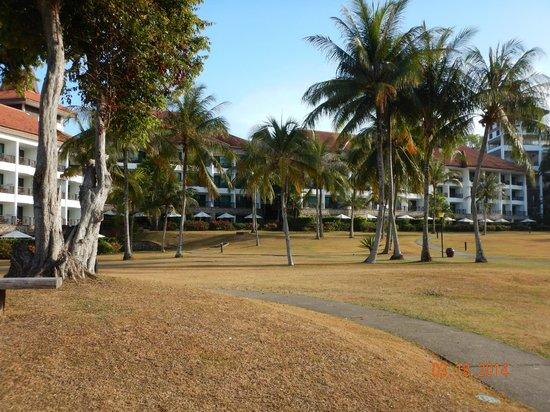 Bintan Lagoon Resort: Ocean side
