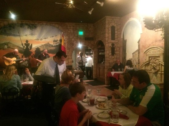 Restaurante don Quijote: An atmosphere that encourages lingering!