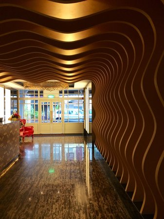 Venue Hotel: the lobby