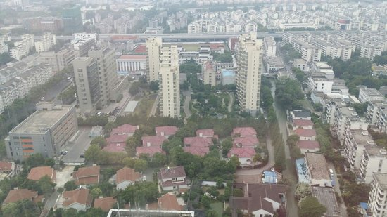 Suzhou Marriott Hotel: 另一邊環境